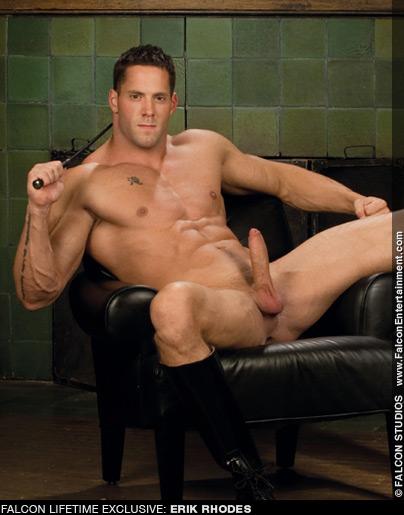 Erik Rhodes Hung Uncut & Buff Gay Porn Superstar Gay Porn 101027 gayporn star