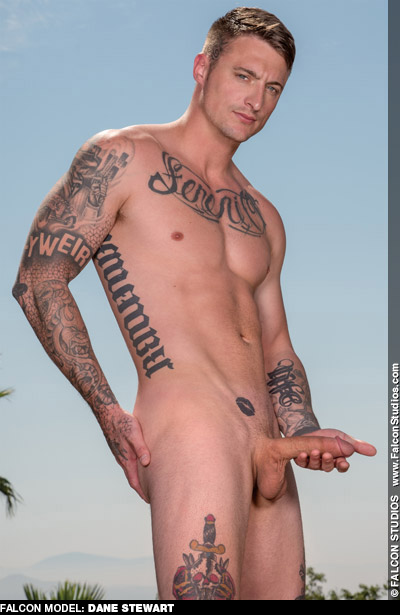 Dane Stewart Straightish Tattoo Artist turned American Gay Porn Star Gay Porn 124590 gayporn star