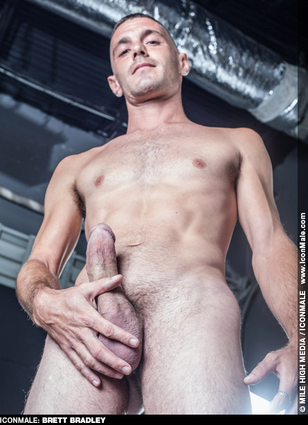 Brett Bradley Handsome American Gay Porn Star with a Fat Dick Gay Porn 128149 gayporn star