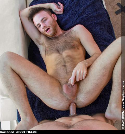 Brody Fields Furry Scruffy American Gay Porn Star Gay Porn 132420 gayporn star